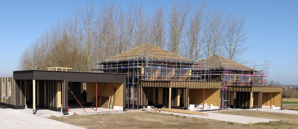 """Vier woningen in prefab houtskeletbouw - Project """"Kerkgate"""""""